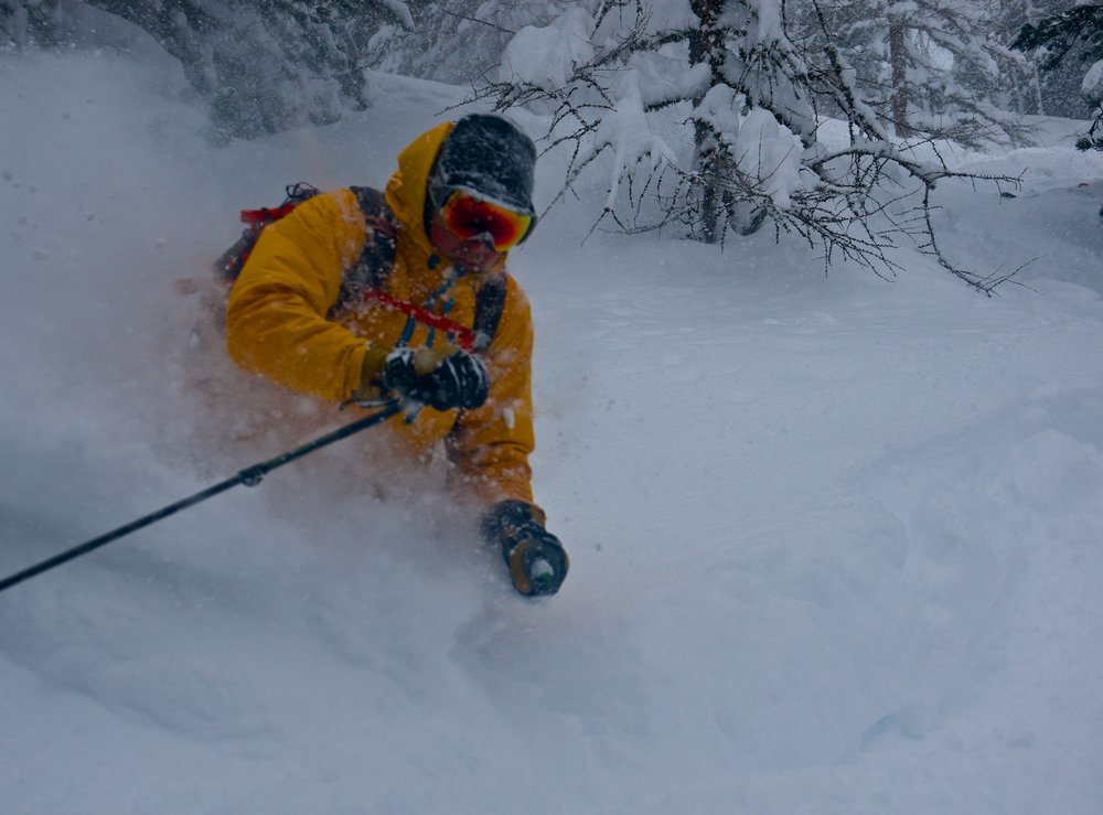 Powder skiing in Sulden