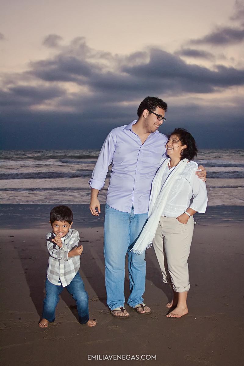 fotografia-familias-playa-portoviejo-17.jpg