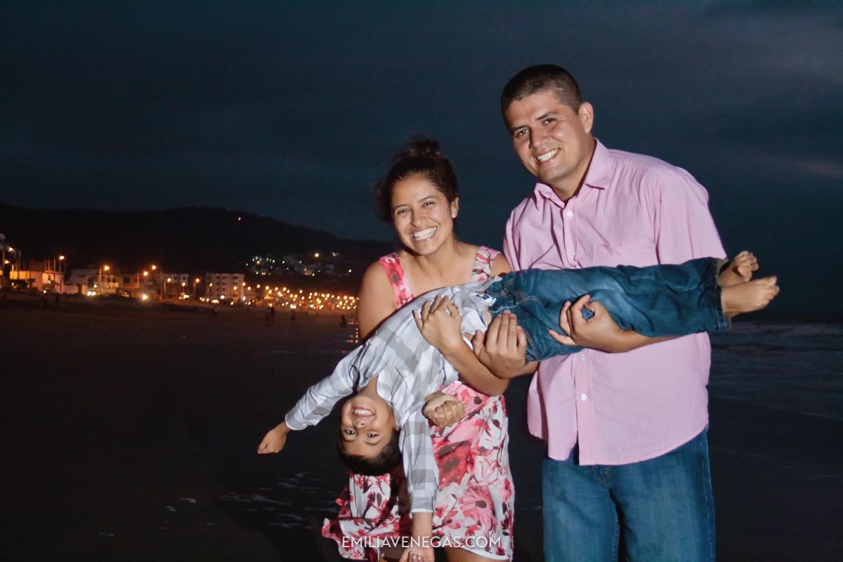 fotografia-familias-playa-portoviejo-18.jpg