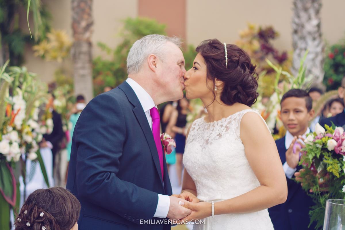 fotografia-de-bodas-weddings-Manta-Hotel-Oro-Verde-23.jpg