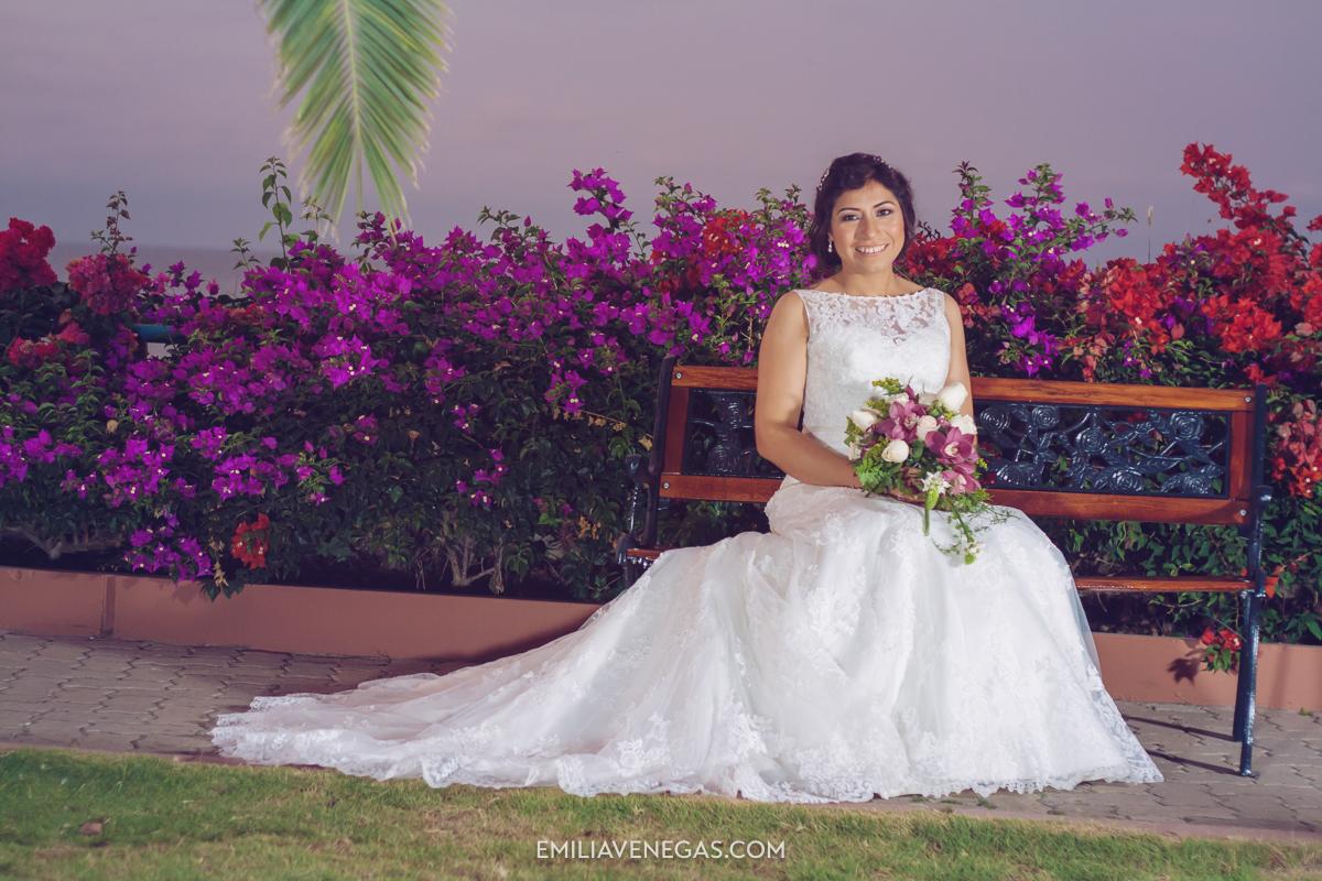 fotografia-de-bodas-weddings-Manta-Hotel-Oro-Verde-33.jpg