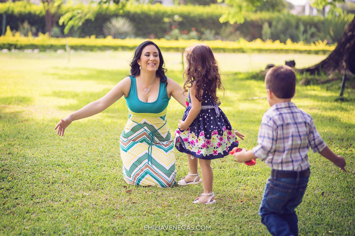 fotografia-familiar-niños-Portoviejo----1.jpg