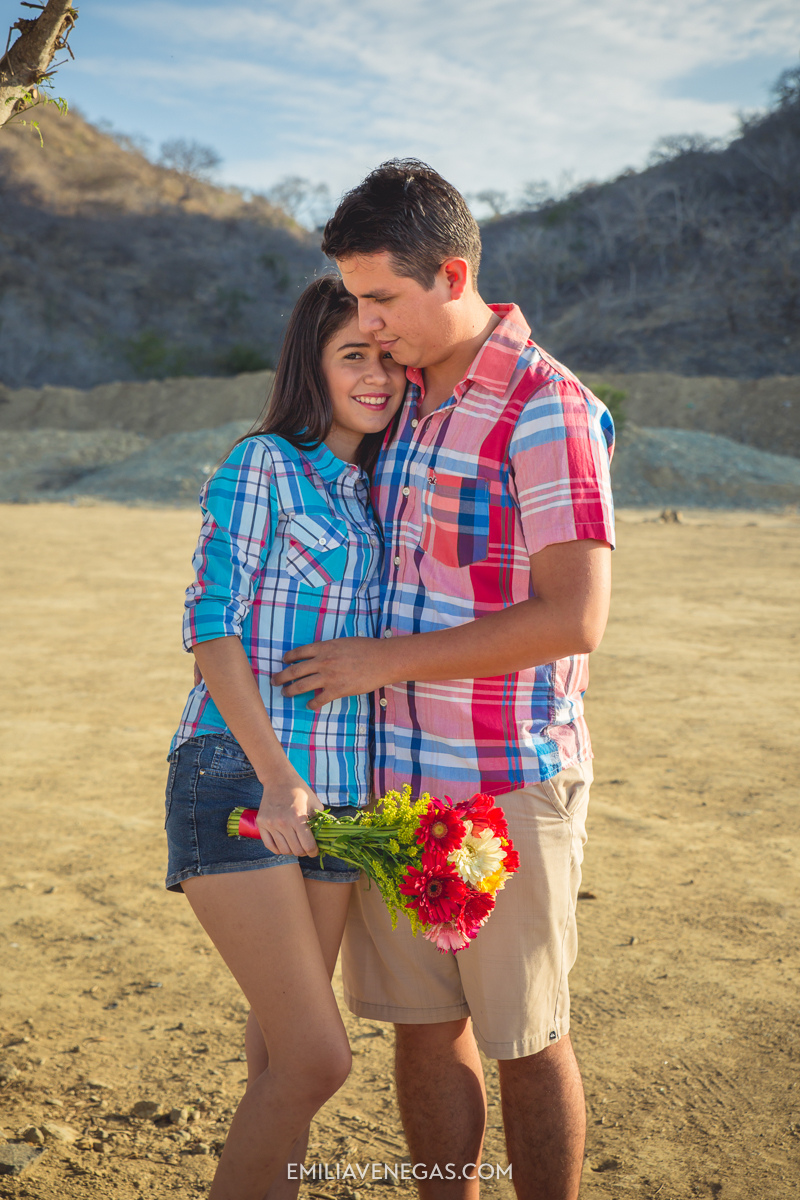 fotografia-parejas-novios-Playa-Tiñosa-Manabi-2.jpg