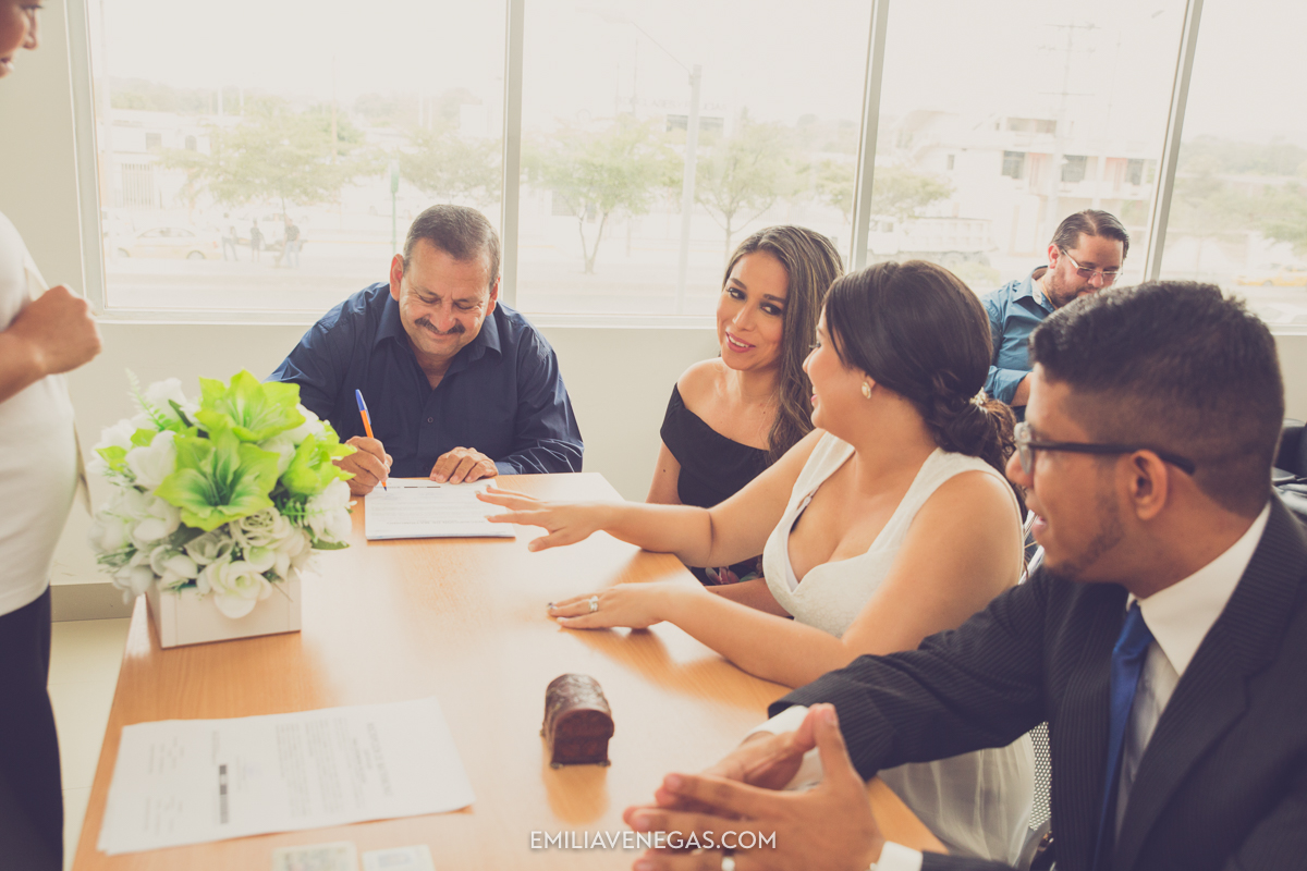 fotografia-bodas-matrimonio-civil-Portoviejo-11.jpg