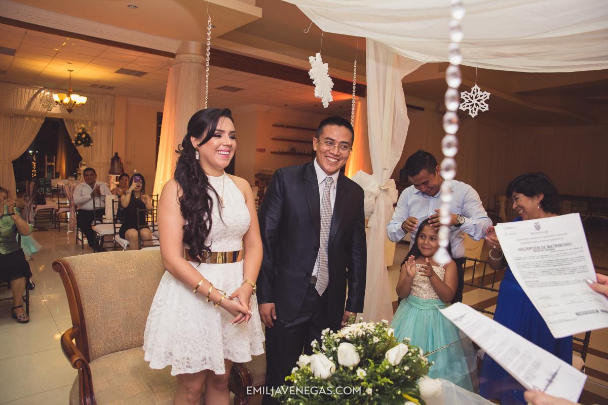fotografia--matrimonio-civil-bodaparejas-novios-Portoviejo-11.jpg
