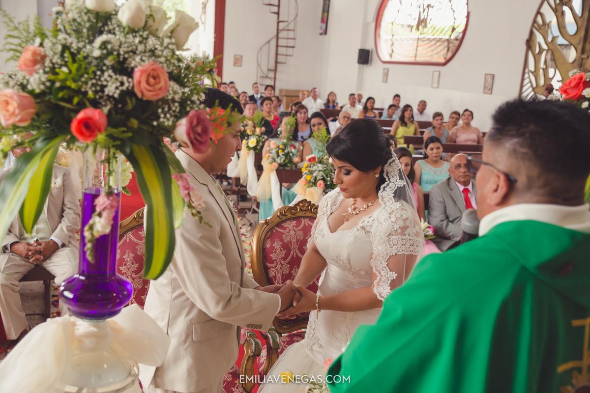 fotografia--matrimonio-civil-bodaparejas-novios-Portoviejo-21.jpg