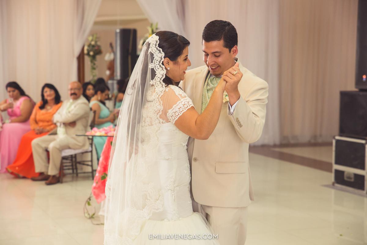 fotografia--matrimonio-civil-bodaparejas-novios-Portoviejo-31.jpg