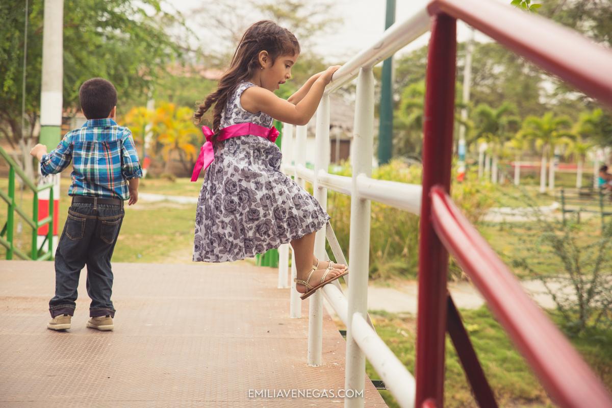fotografia-familiar-niños-parque-forestal-Portoviejo-4.jpg
