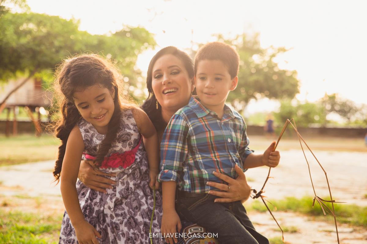 fotografia-familiar-niños-parque-forestal-Portoviejo-18.jpg
