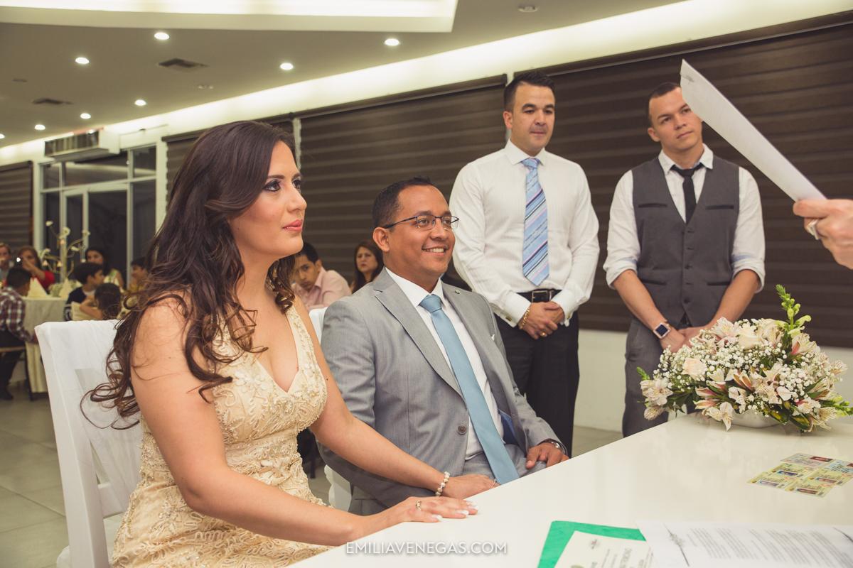 fotografia-pareja-novios-boda-civil-Portoviejo-Manabi-6.jpg