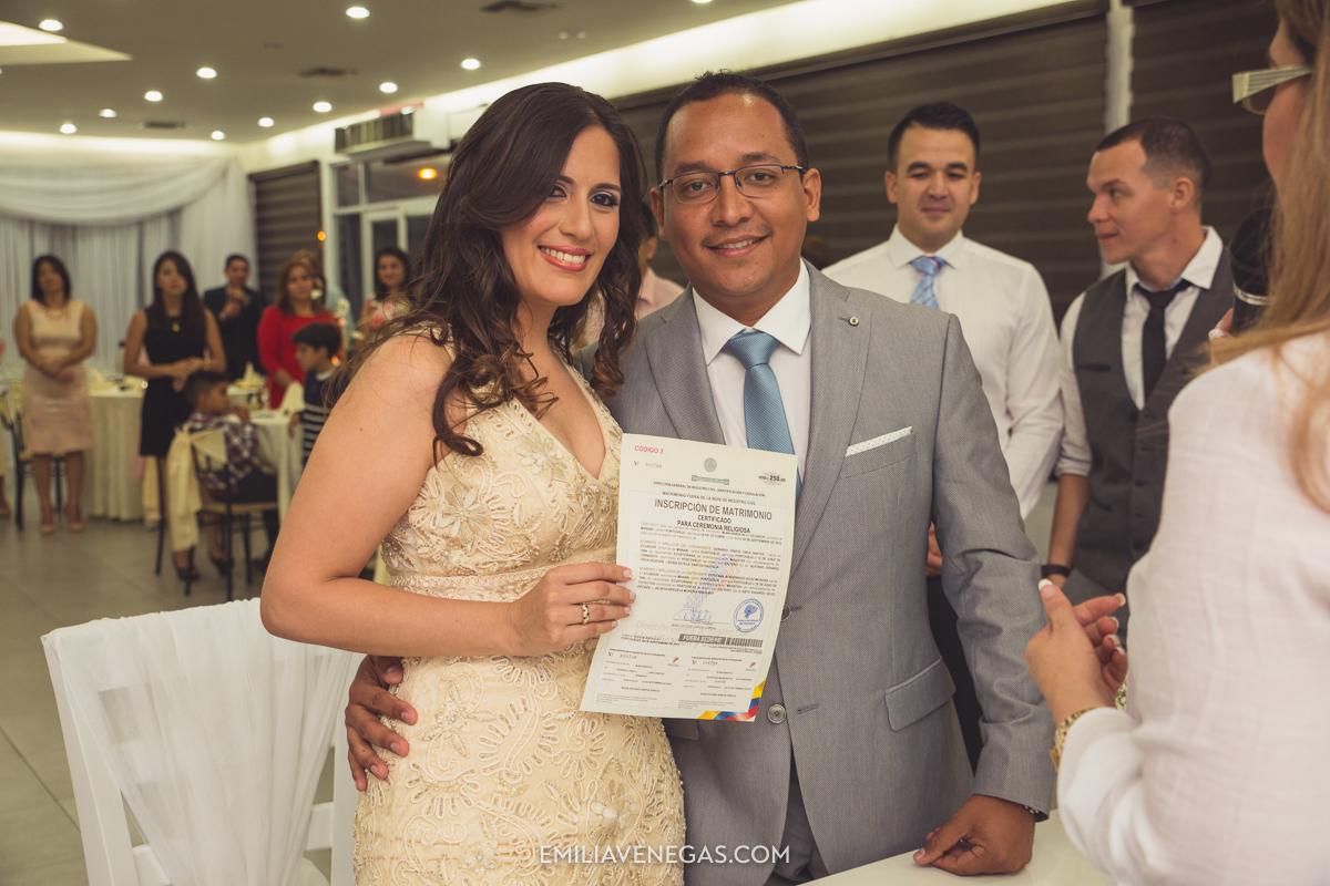 fotografia-pareja-novios-boda-civil-Portoviejo-Manabi-11.jpg