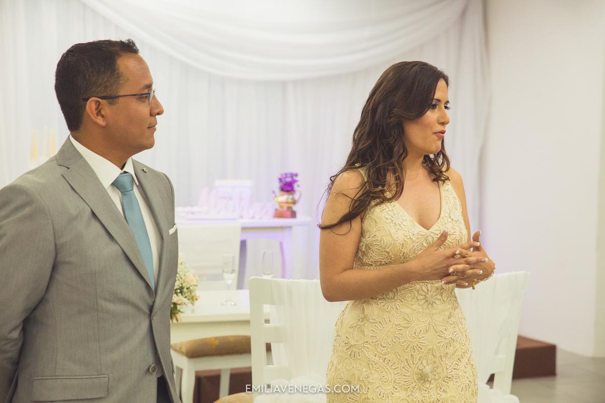 fotografia-pareja-novios-boda-civil-Portoviejo-Manabi-13.jpg