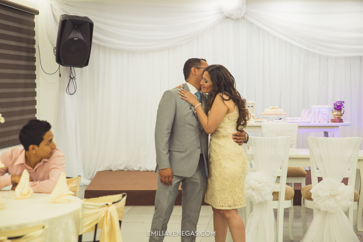 fotografia-pareja-novios-boda-civil-Portoviejo-Manabi-14.jpg