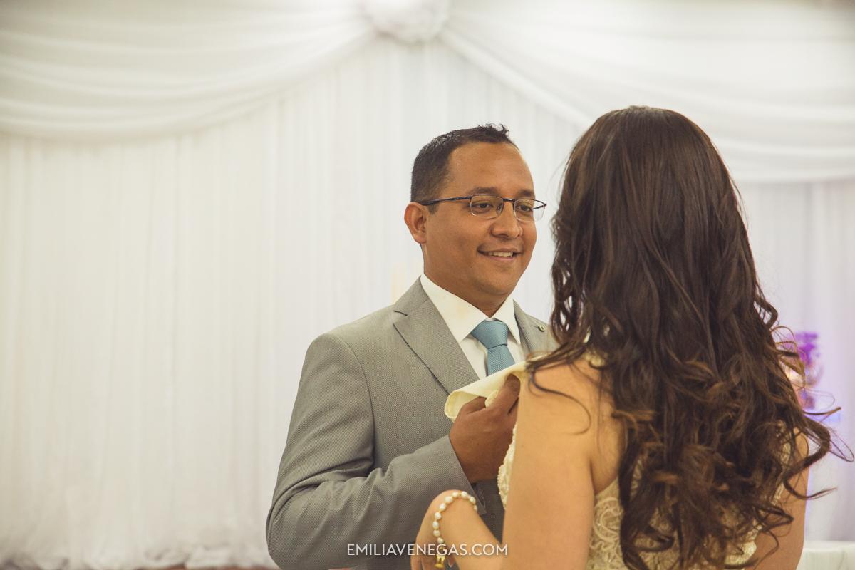 fotografia-pareja-novios-boda-civil-Portoviejo-Manabi-16.jpg