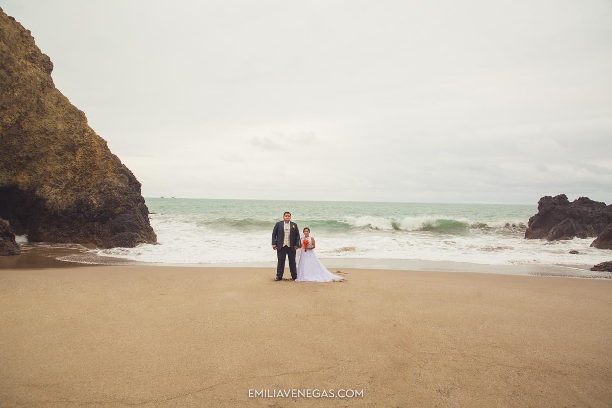 fotografia-boda-playa-parejas-novios-Portoviejo-Manabi-6.jpg