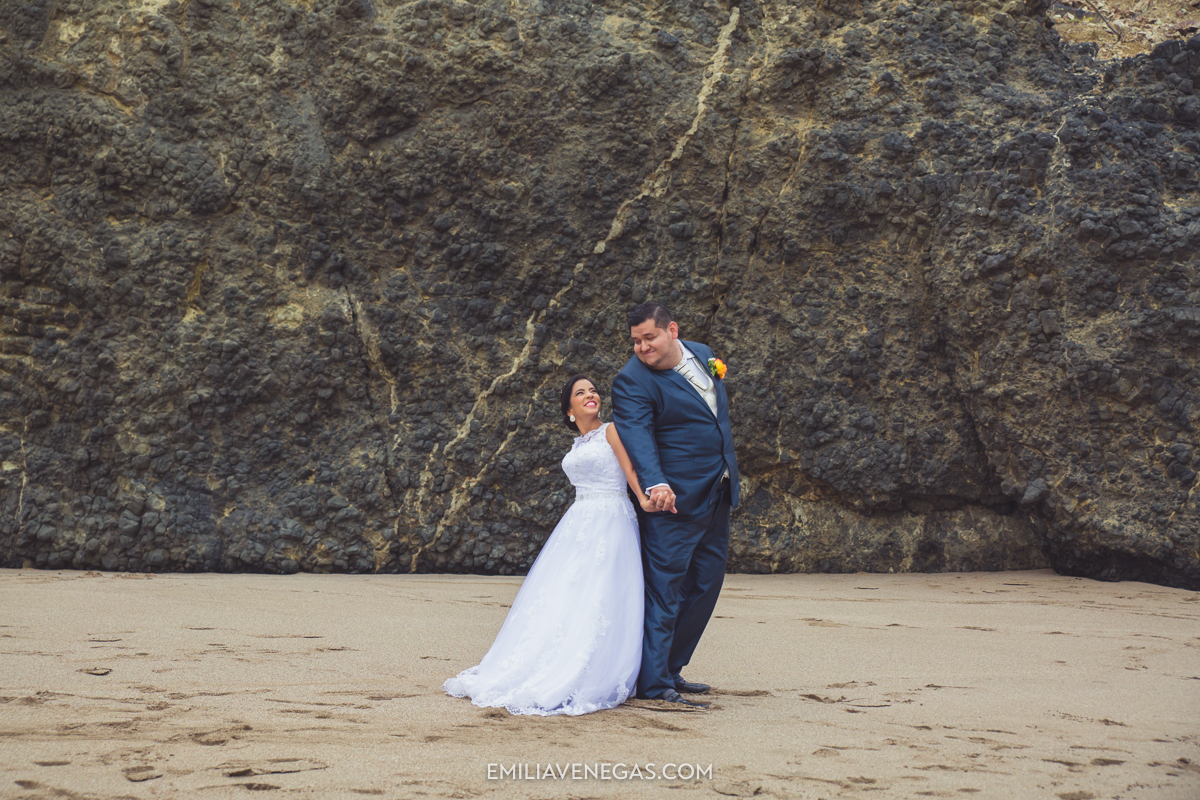 fotografia-boda-playa-parejas-novios-Portoviejo-Manabi-9.jpg