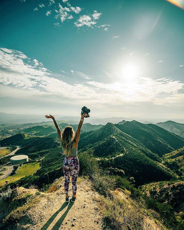 Preparing for departure, enjoy me out of the shell before I hermit up again 🏕. 📸@briandaoo . . . .  #mountaingirls #mountainstories  #travel #instatravel #travelgram #magicalplaces #instago #passportready #travelblogger #wanderlust #ilovetravel #folkmagazine#instatravelling #instavacation #travelblogger#instapassport#postcardsfromtheworld #traveldeeper #travelstroke#travelling #trip #traveltheworld #igtravel #womenwhoexplore #sonyalpha7ii  #instagram