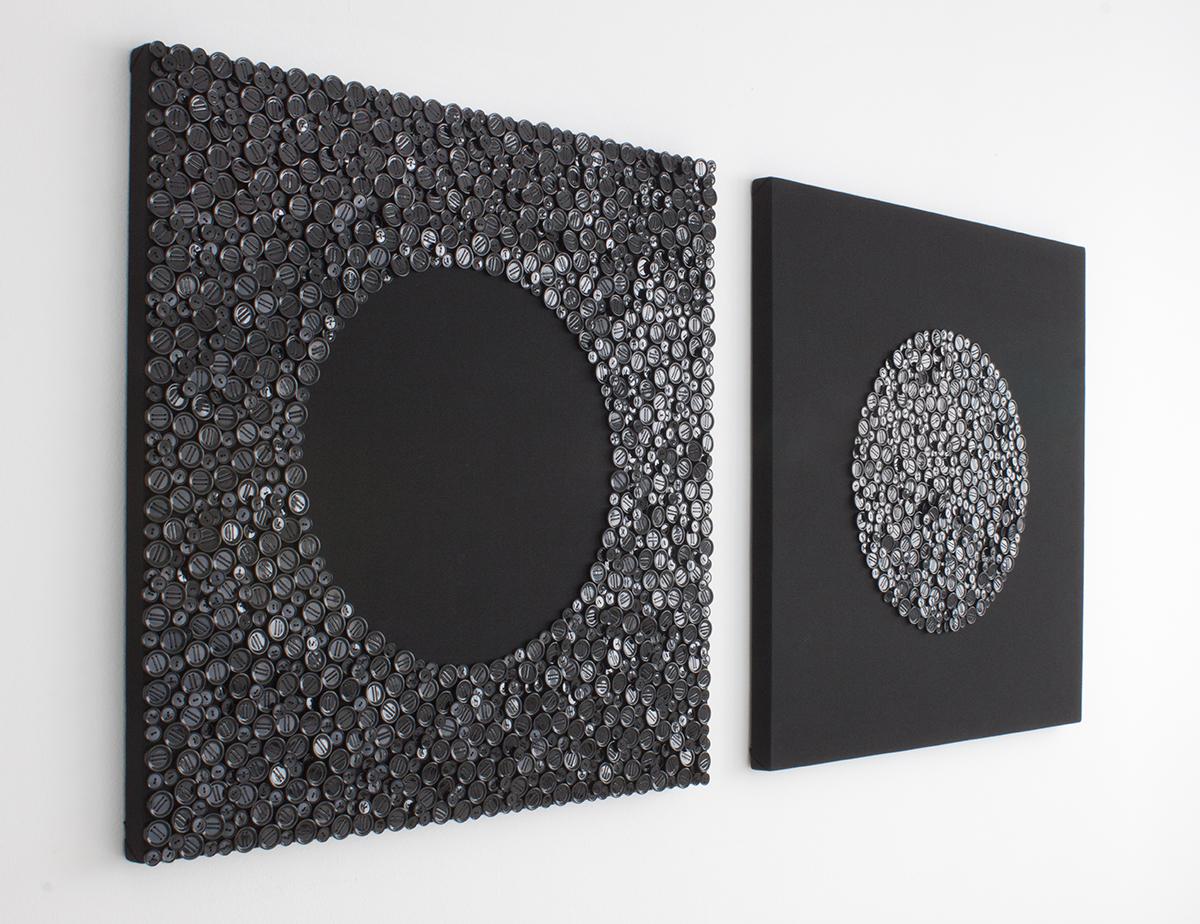 """Laura Piñeiro.""""Oda a la longánima mirada"""".Tela, botones e hilo.200 x 200 x 6 cm. 2014"""