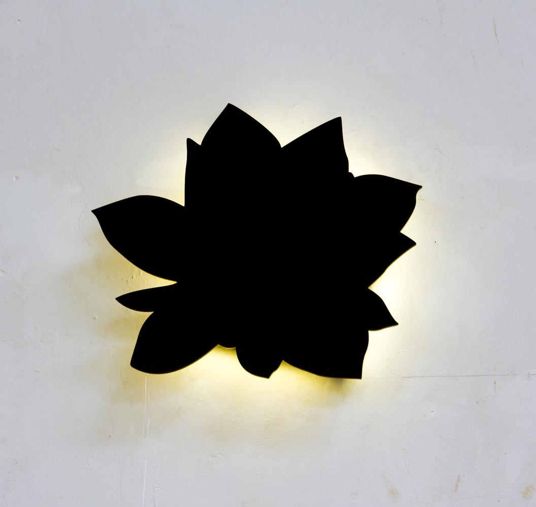 Loto  . Metacrilato, luces LED. 40 x 40 cm. 2013