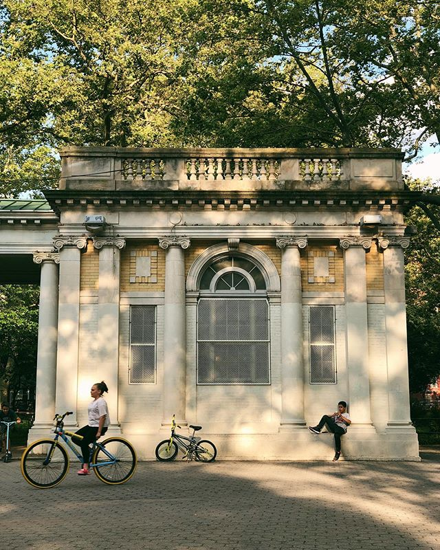 Summer bikes. #saturdayshadows #buoyphotochallenge - - - #rentalmagazine #vscoaesthetics #what_i_saw_in_nyc