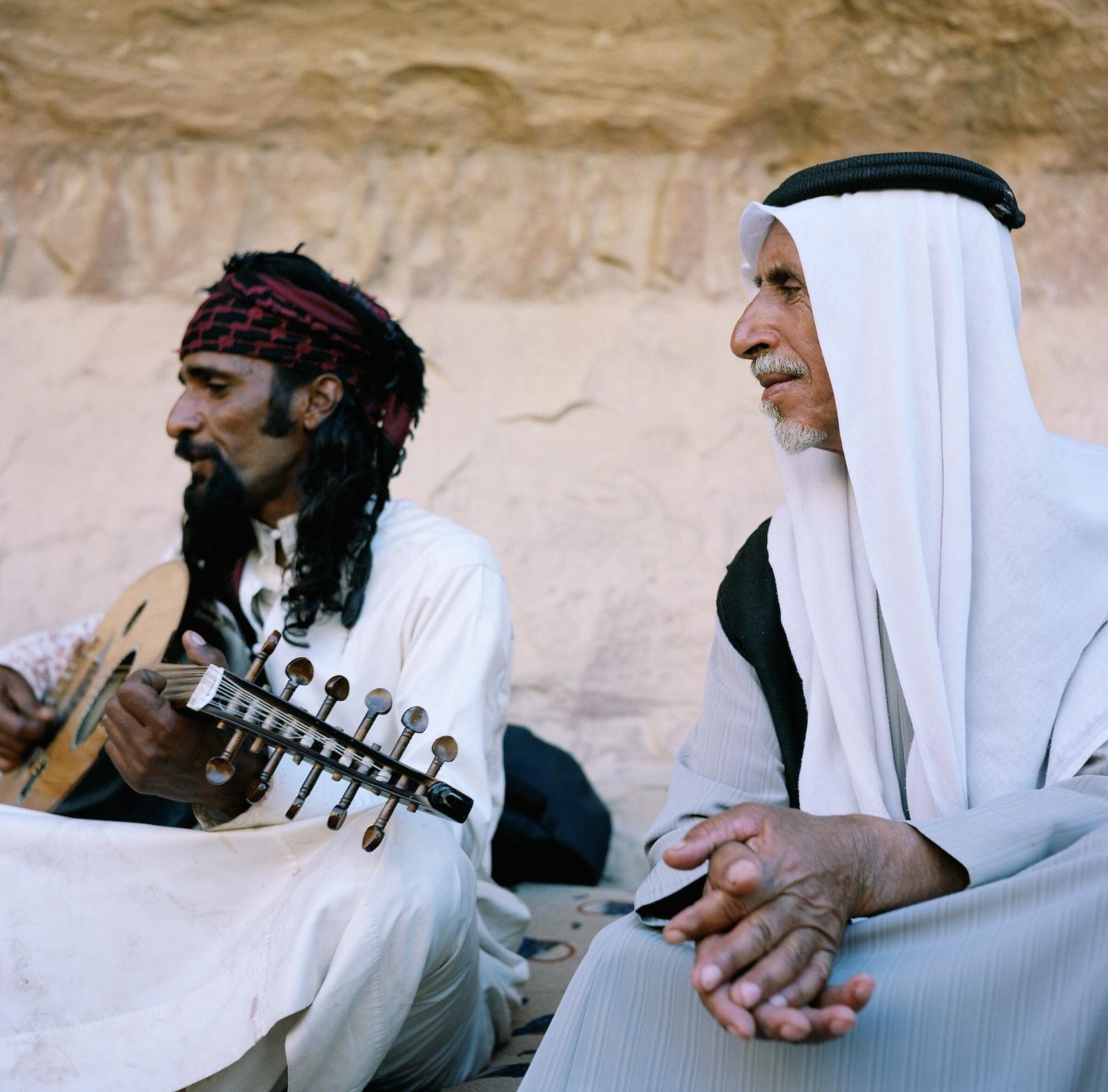 Eid_desert_singing.JPG