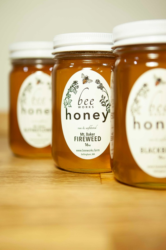#farmersmarket #bhamfarmersmkt #communityfoodcoop #cascades #beeworksfarm #honey #beekeeper #honeybees #nature #beesofinstagram #bee #PNW #Bellingham #farmlife #localhoney #mountbaker #eatlocal #rawandunfiltered #rawhoney #raw #unfiltered #savethebees #honeybee #honeycomb #beelove #beekeeping #lovenature #eatrealfood #rawfood #foods52 #saveur #bonappetite