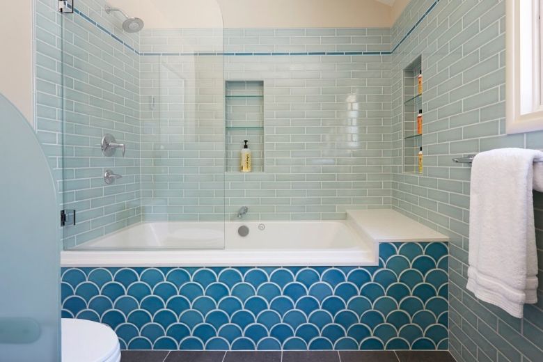 atomic-ranch-bathroom-beach-style-with-shower-ledge-traditional-multiuse-tiles.jpg