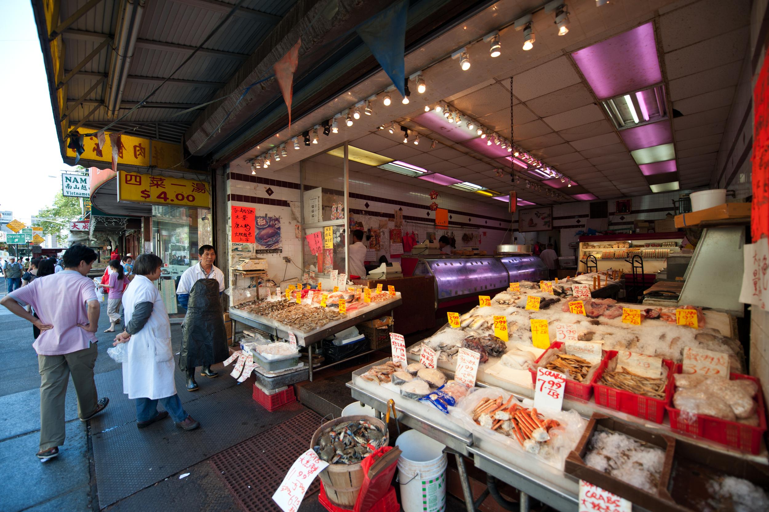 Little Italy And Chinatown Neighborhood Guide New York Neighborhoods Turf Savvy