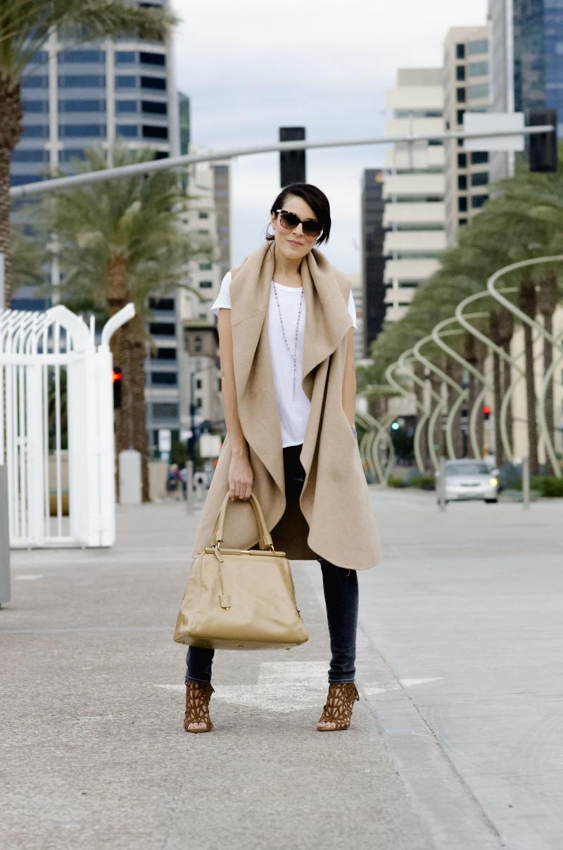 sandiego.harbor.fashion.streetstyle.camelcoat.cape.zara.luxe.downtown.fashion.jpg