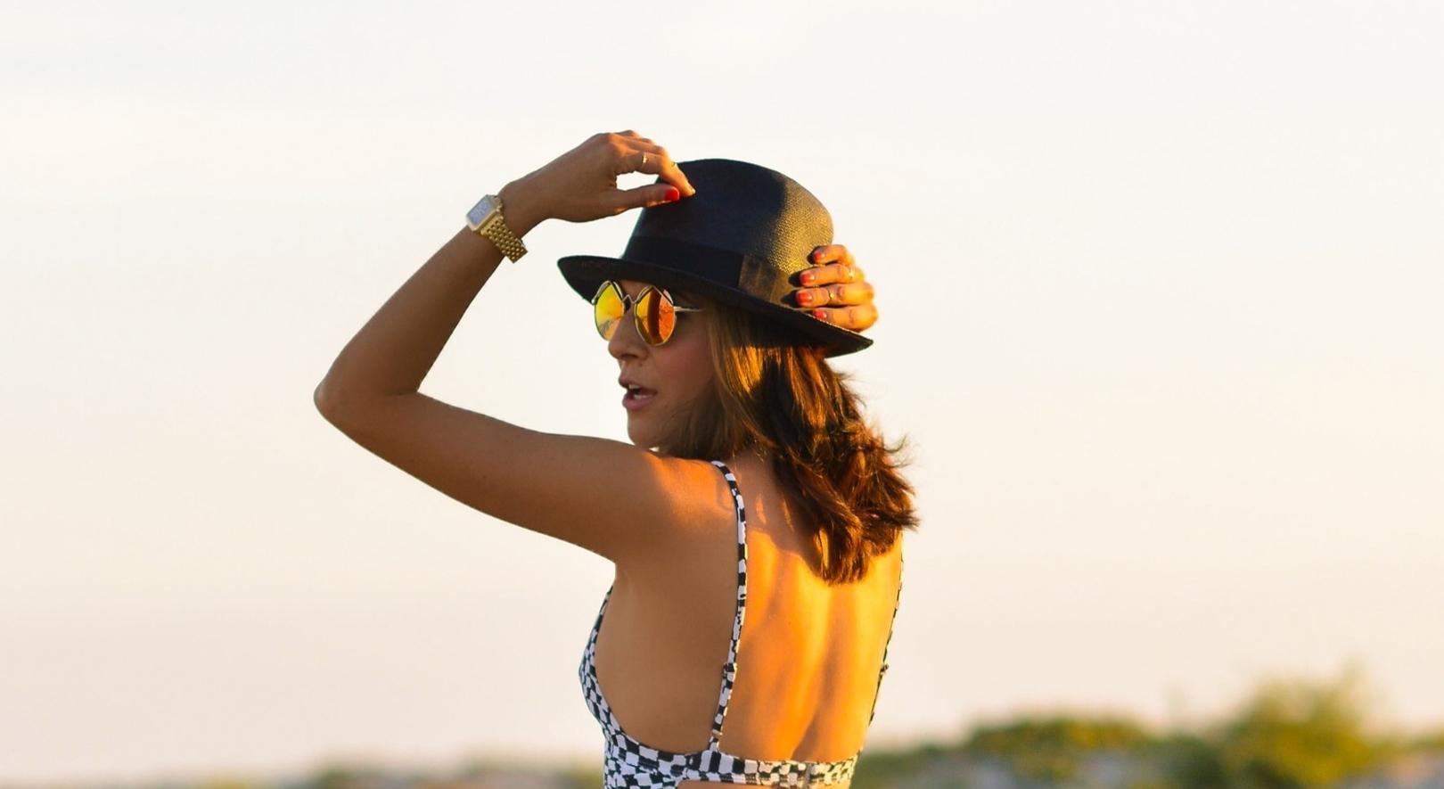 MaraHoffman_ElSpec_ElizabethandJames_culottes_Sunset.jpg