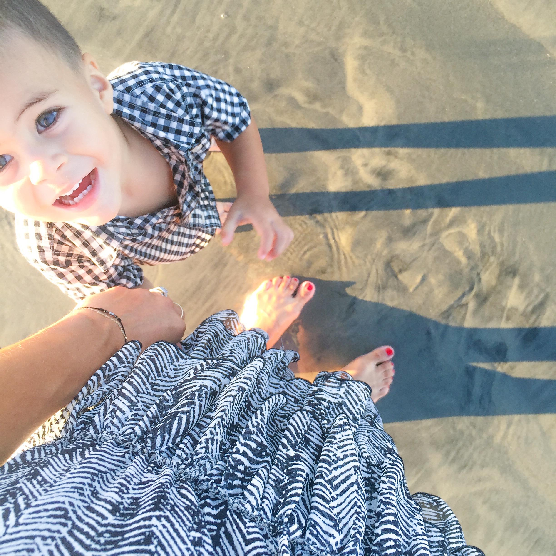 LucysWhims_Family_DorianOliver_GiftGuide_ChildrensGifts_SanDiego_Beach.jpg