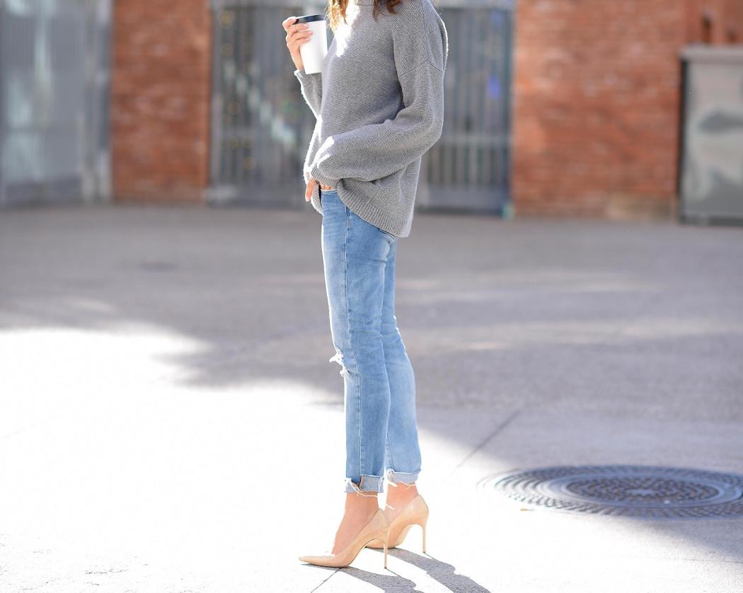 BananaRepublic_Cashmere_Sweater_ManoloBlahnik_Streetstyle_Fashion_LucysWhims_BlankNYCJeans_SanDiego.jpg