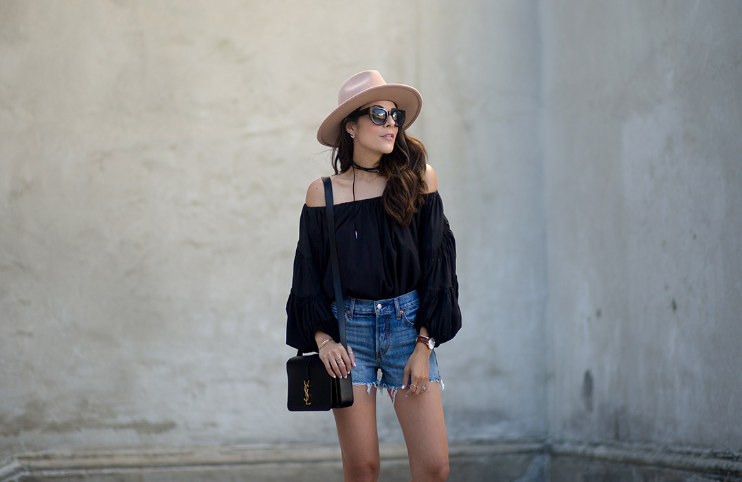 Levis-Chanel-Espadrilles-Lack-of-color-hat-off-shoulder-ysl-fashion-streetstyle.jpg