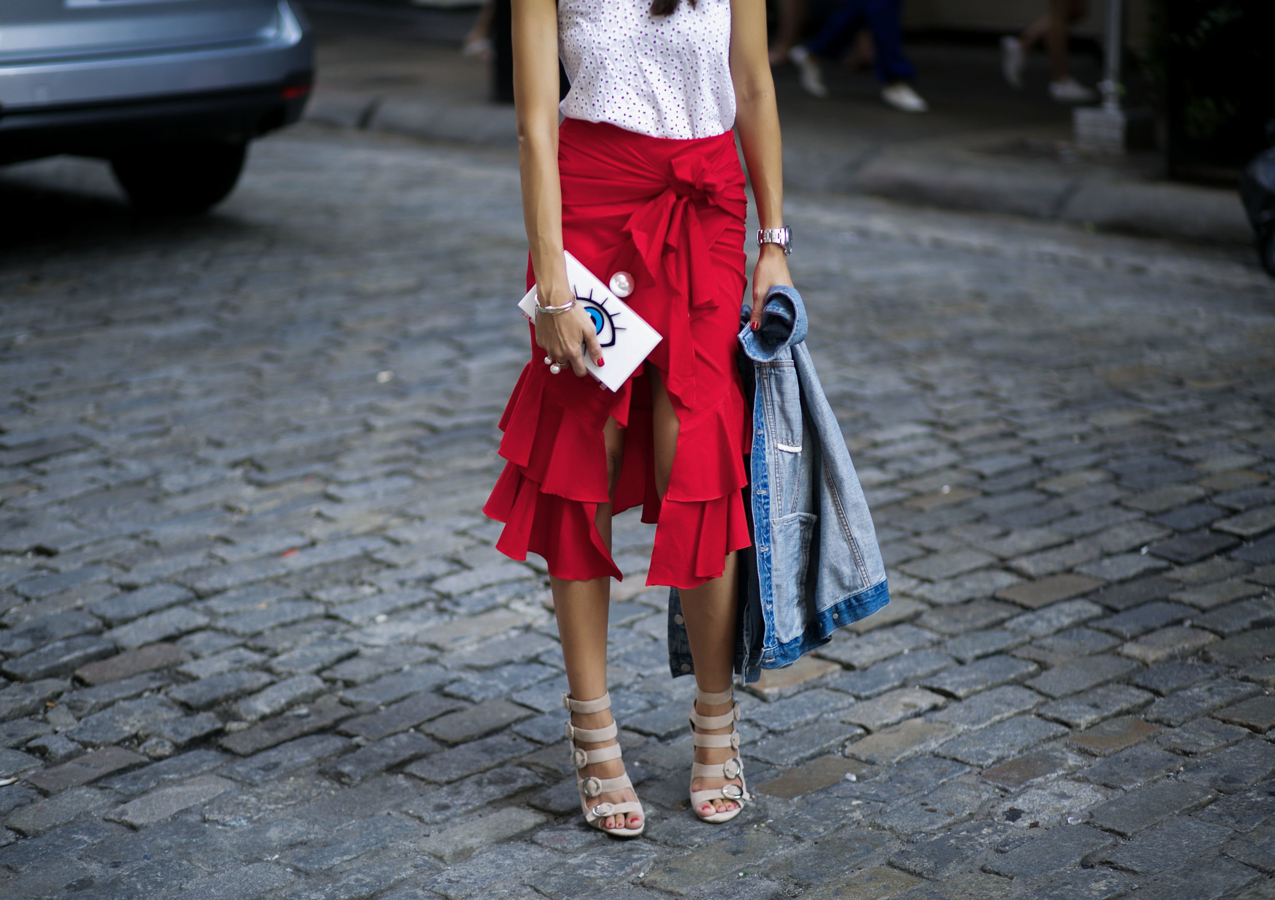 Lola-Basso-Clutch-Intermix-Skirt-Kendal-and-Kylie-Shoes-Fashion-BLogger-Streetstyle-NYFW-Runway-BLogger-Friends.jpg