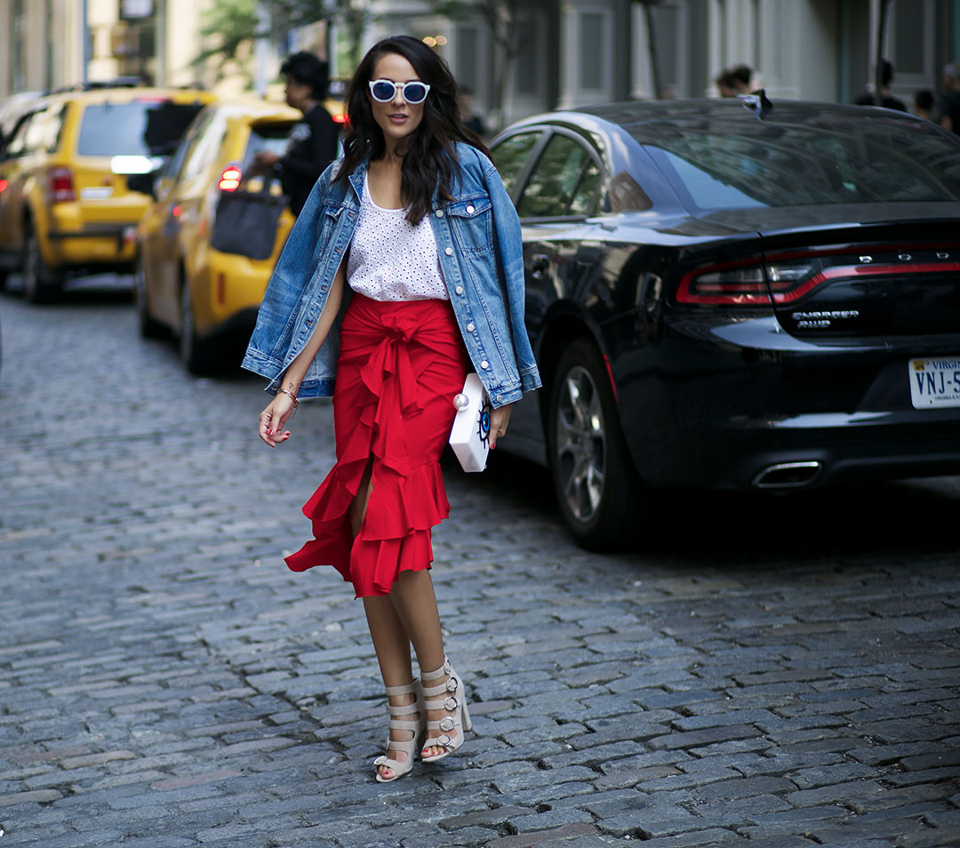 Lola-Basso-Clutch-Intermix-Skirt-Kendall-and-Kylie-Shoes-Fashion-BLogger-Streetstyle-NYFW-Runway-BLogger.jpg