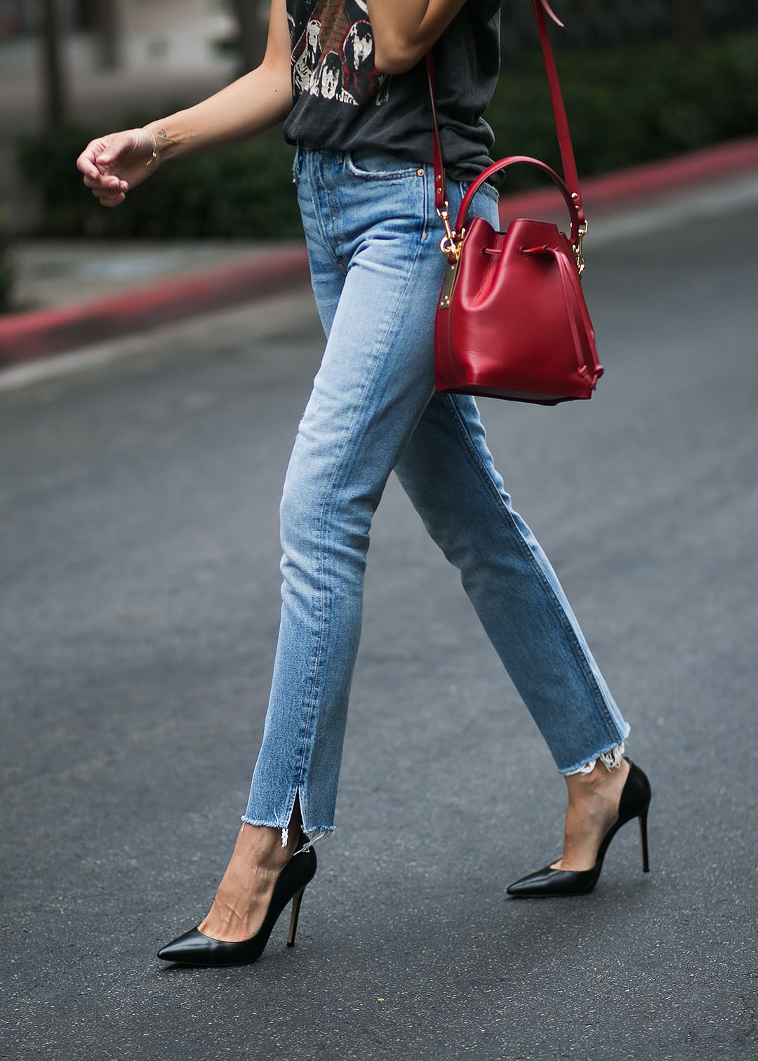Gianvitto-Rossi-Pumps-and-GRLDFRND-Jeans.jpg