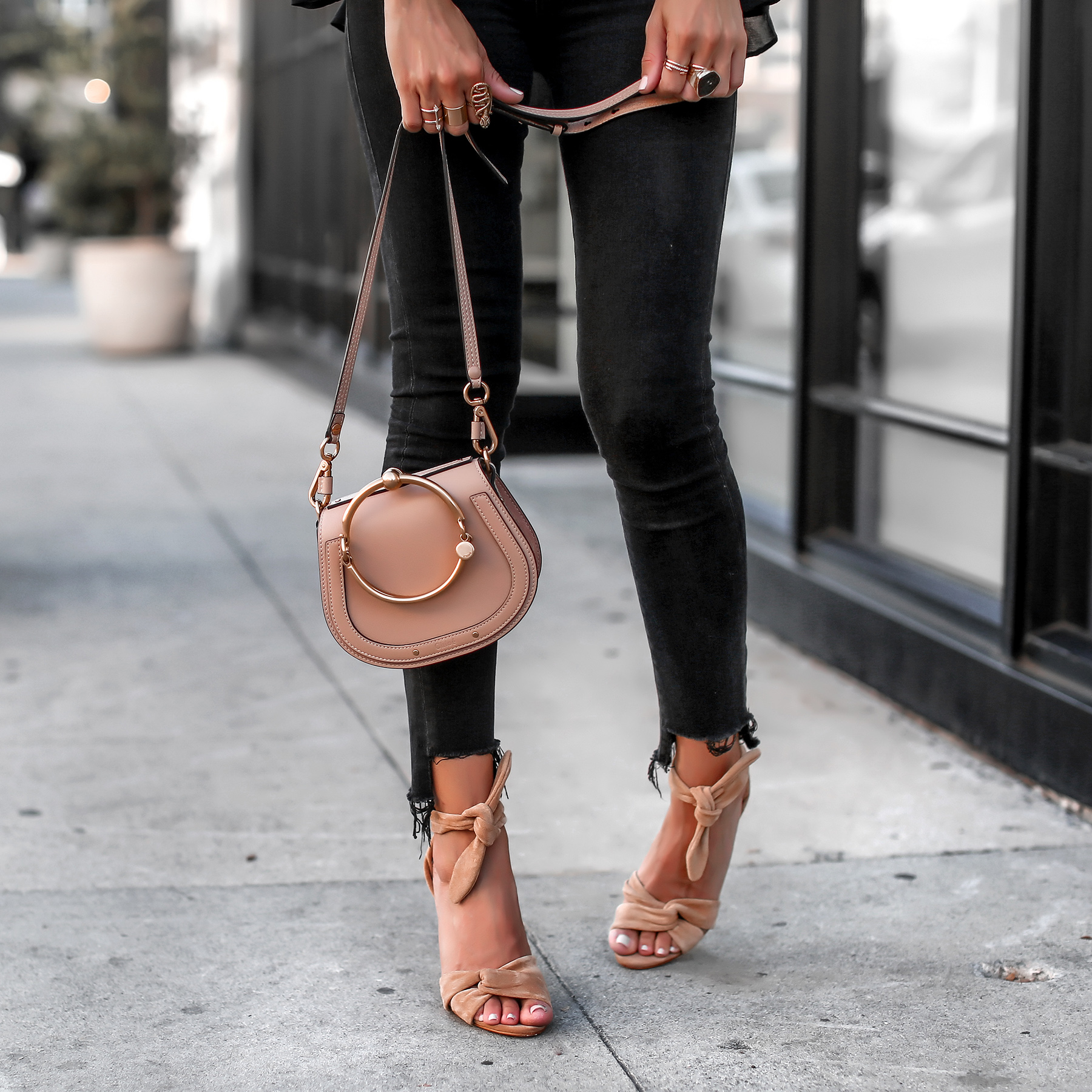 Black ripped jeans nude chloe nile bag schutz suede sandals.jpg