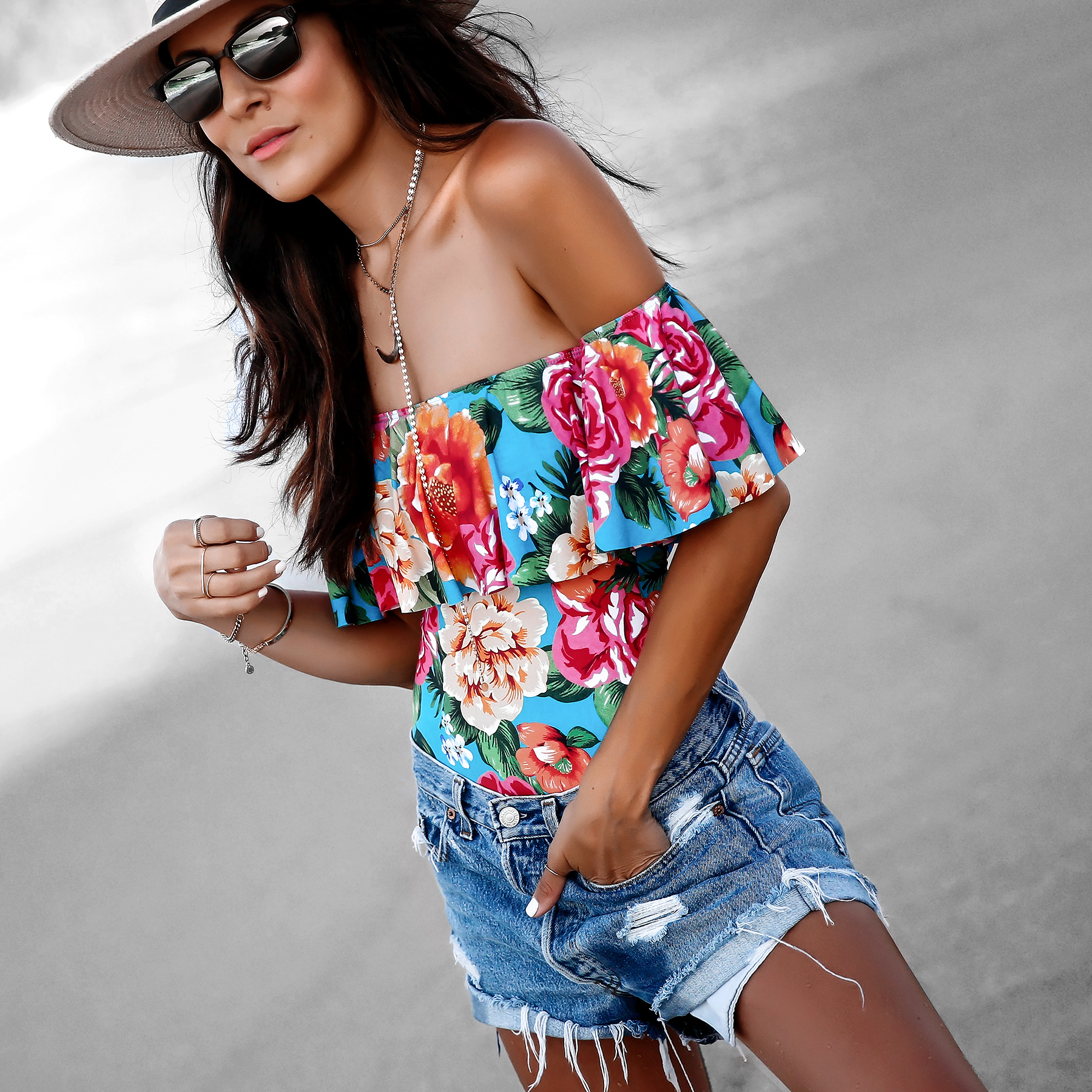 Maui Jim Sunglasses LEvis Shorts Beach Fashion.jpg