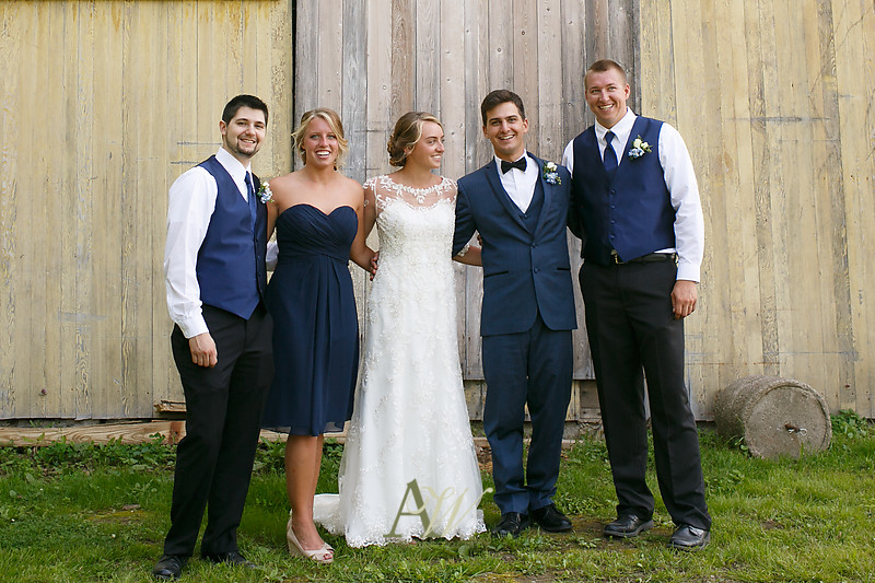 laura-mitchell-outdoor-sodus-rochester-ny-wedding-photographer13