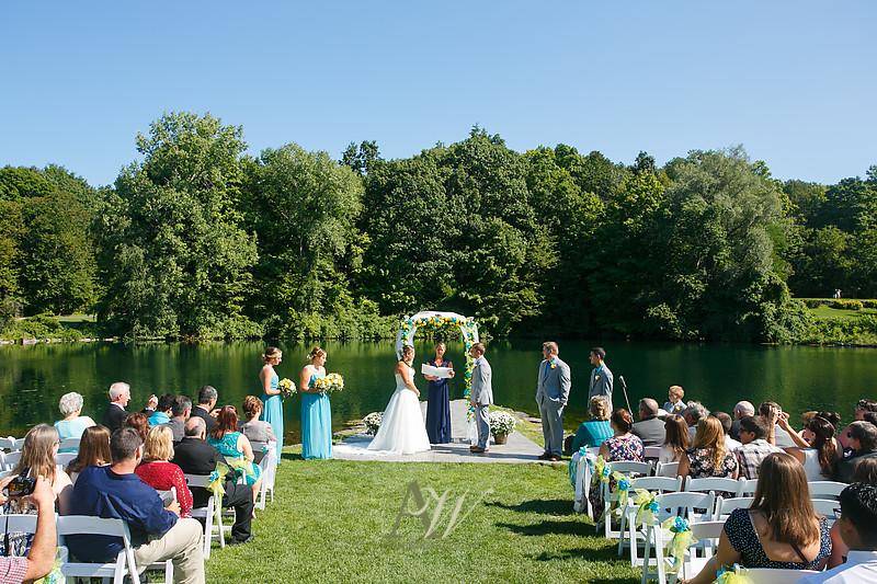 mandi-daniel-shadow-lake-rochester-ny-outdoor-wedding07