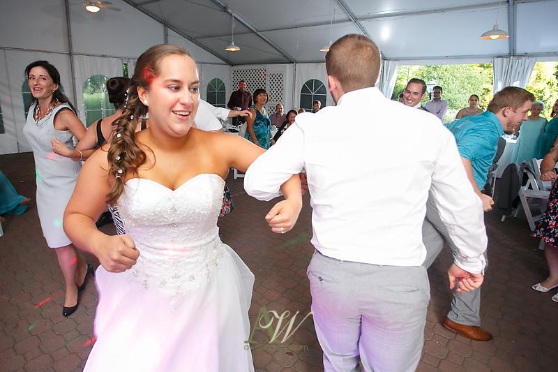 mandi-daniel-shadow-lake-rochester-ny-outdoor-wedding36