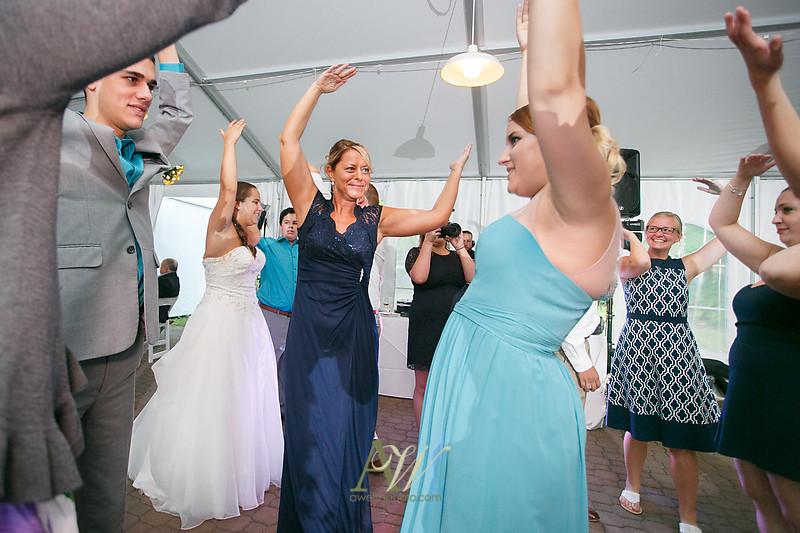 mandi-daniel-shadow-lake-rochester-ny-outdoor-wedding38