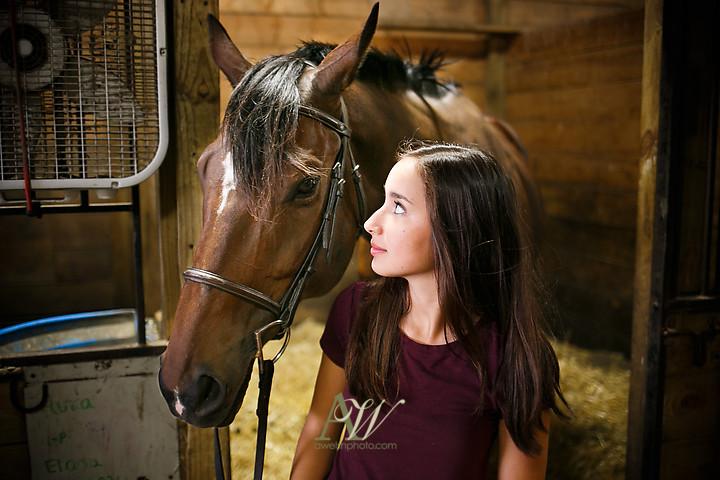 isabelle-park-outdoor-equestrian-horse-senior-portrait01