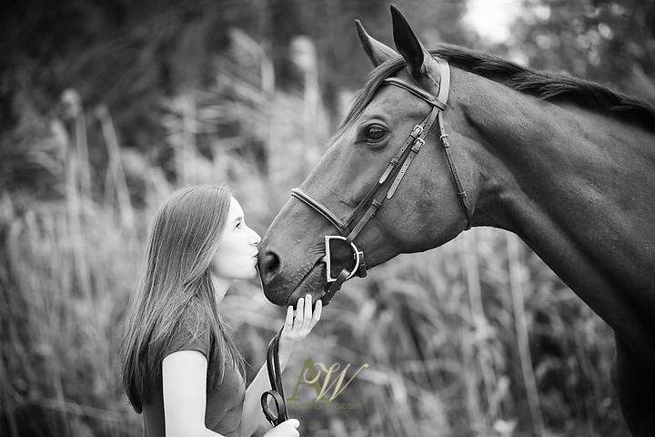 isabelle-park-outdoor-equestrian-horse-senior-portrait04