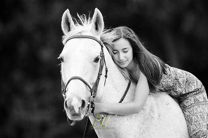 isabelle-park-outdoor-equestrian-horse-senior-portrait07