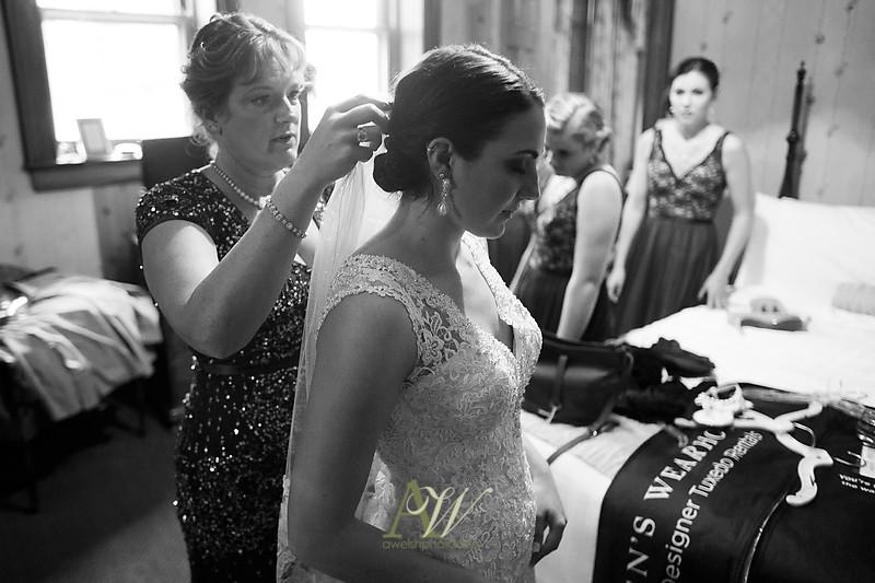 Alyssa-Sam-Geneva-NY-Belhurst-Wedding-Photos07