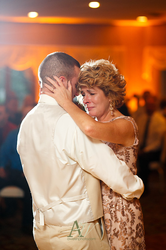 Alyssa-Sam-Geneva-NY-Belhurst-Wedding-Photos23