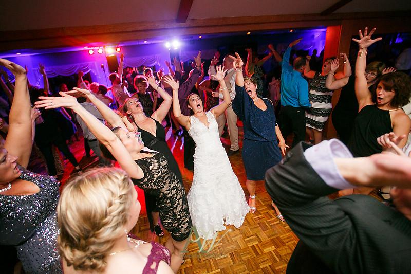 Alyssa-Sam-Geneva-NY-Belhurst-Wedding-Photos37