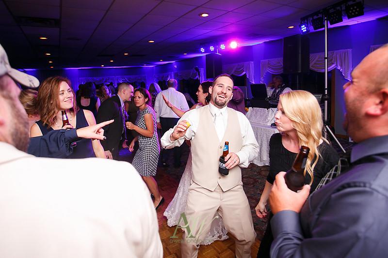 Alyssa-Sam-Geneva-NY-Belhurst-Wedding-Photos44