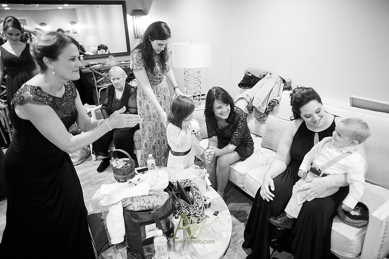 lisa-brandon-bristol-harbor-resort-fall-wedding13